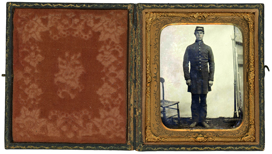 Sixth-plate tintype by an anonymous photographer. Dan Binder collection.