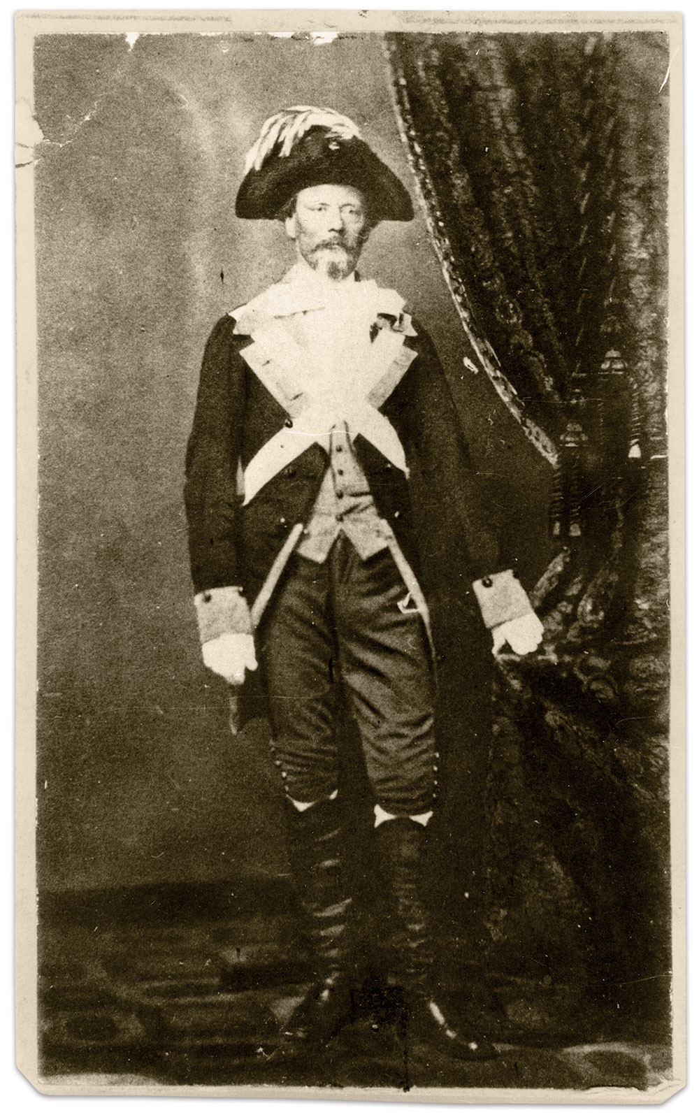 Carte de visite by an anonymous photographer. Anne S.K. Brown Military Collection.