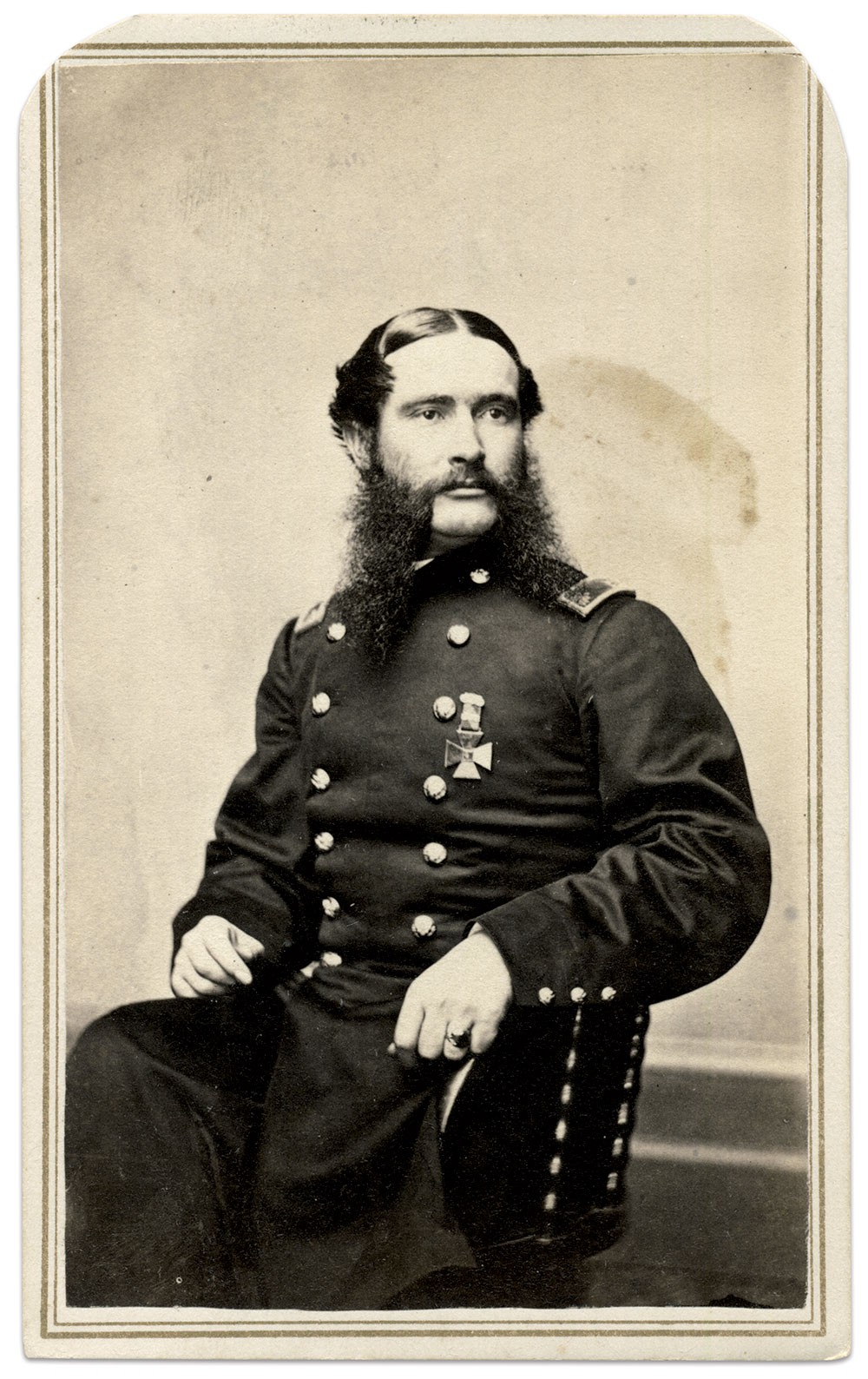 Edward Hill pictured as a lieutenant colonel, wearing a Fifth Corps badge. Carte de visite by Gottschalk Grelling of Detroit, Mich. Rick Carlile Collection.