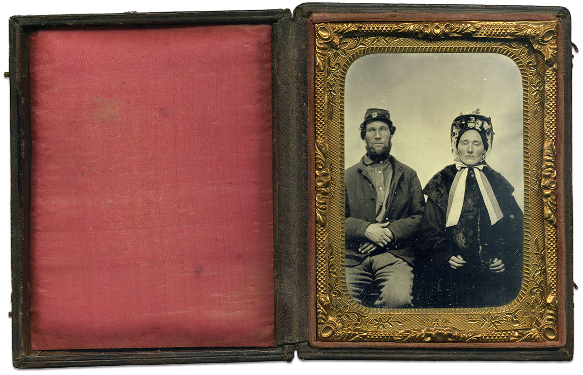 Quarter-plate tintype by an anonymous photographer. Charles Darden Collection.