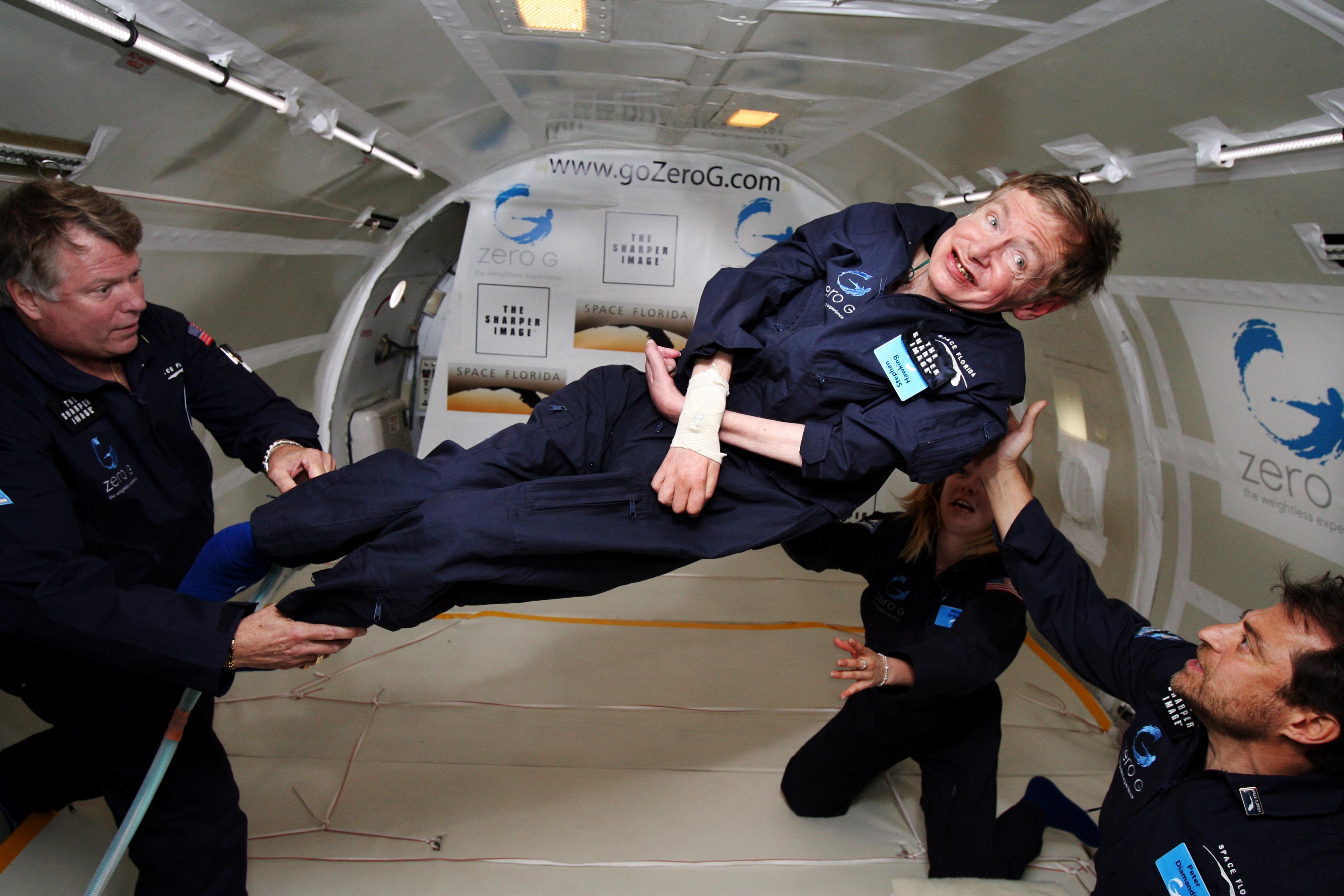 StephenHawking es uno de los personajes más famosos con discapacidad física.