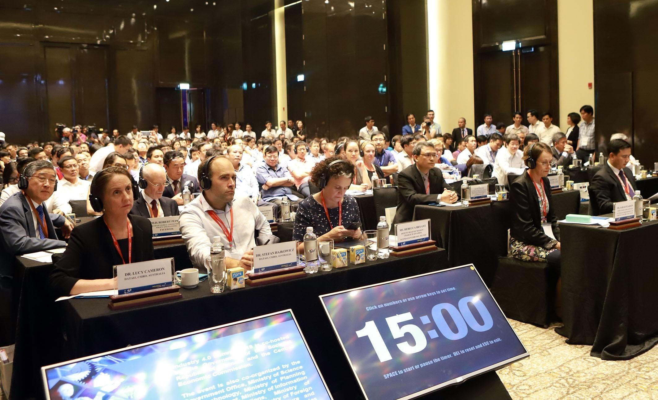 Domestic and foreign representatives at the summit (Photo: VNA)
