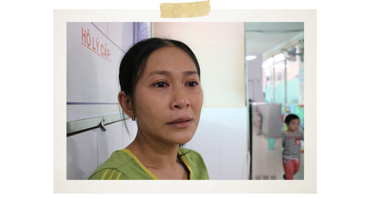 Le Thi Huong, Tien's mother, said she wondered why the horrible disease had afflicted her son, and she wished she could take his place (Photo: VietnamPlus)