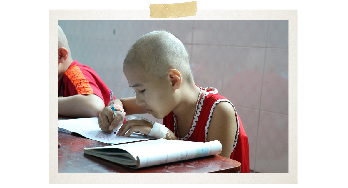 Not only teaching, theclass has also inspired and helped maintain the dreams of child cancer patients (Photo: VietnamPlus)