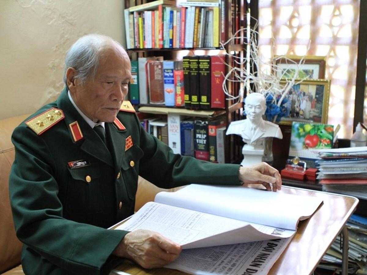 """""""Para los vietnamitas, el 10 de octubre de 1954 es el día de liberación de Hanoi. Para mi generación, esa fecha marcó el cumplimiento de la promesa de regresar a la capital que hicieron los jóvenes hanoienses al partieron en 1946 de la ciudad para luchar contra el colonialismo."""" (Fuente: VietnamPlus)"""