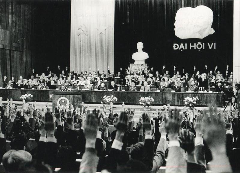 Đại hội Đảng lần thứ VI (12/1986) mở đầu công cuộc đổi mới, khơi dậy và phát huy sức mạnh, tiềm năng để đưa đất nước tiến lên. (Nguồn: TTXVN)