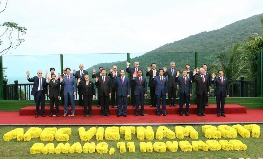 Các nhà lãnh đạo Diễn đàn Hợp tác Kinh tế châu Á-Thái Bình Dương (APEC) tại Hội nghị cấp cao APEC 2017 ở Đà Nẵng, tháng 11/2017. (Ảnh: Nhan Sáng/TTXVN)