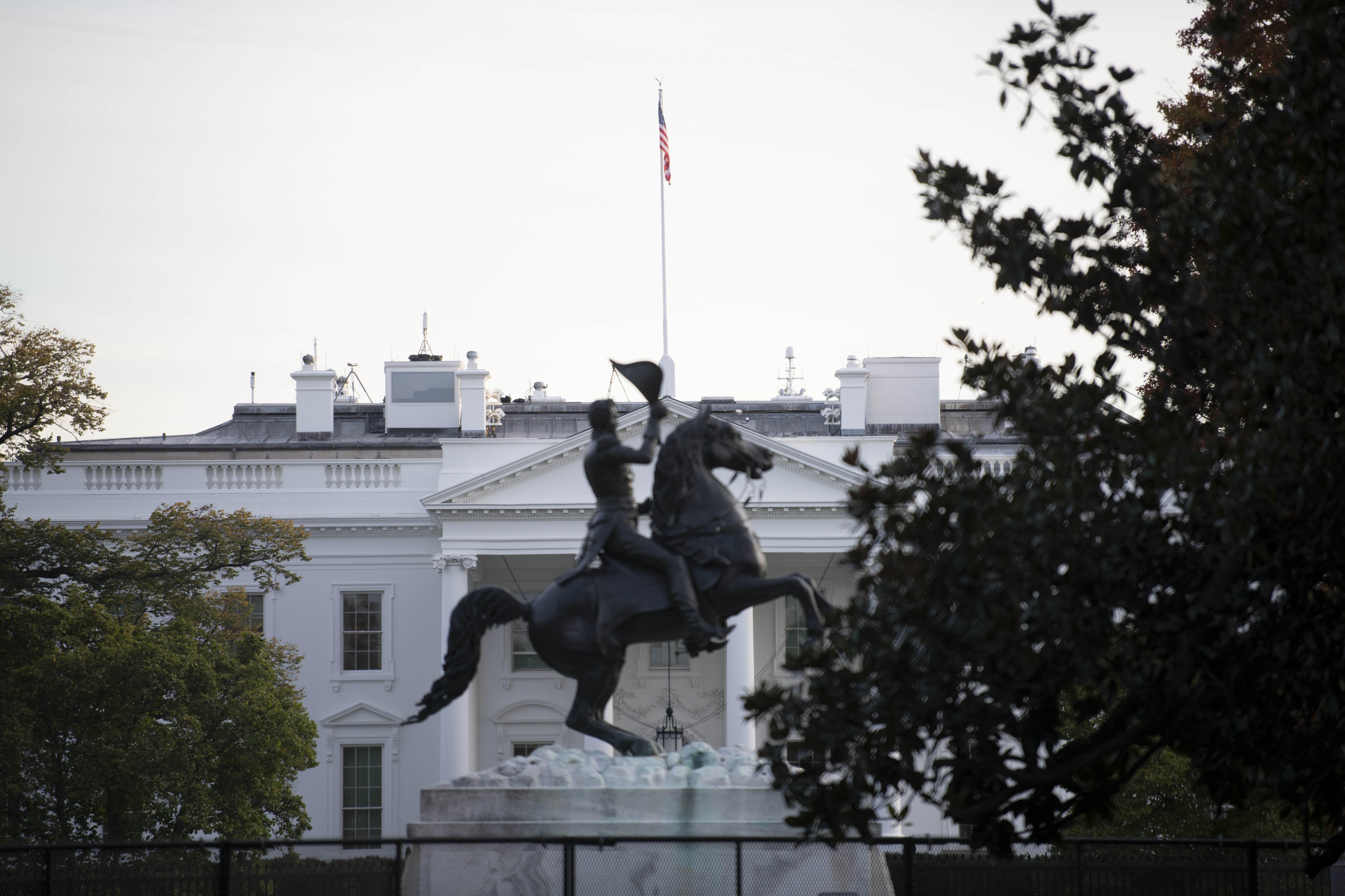 Quang cảnh bên ngoài Nhà Trắng của Mỹ ở thủ đô Washington DC., ngày 5/11/2020. (Ảnh: THX/TTXVN)